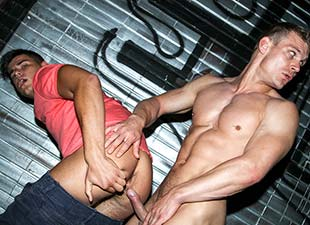 Anal Pounding A Tourist In Public View